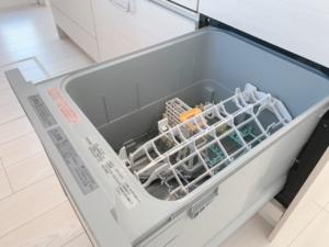 ◆POINT◆大型の食洗機付き。時短して家族との時間を確保できます