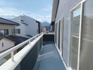 ◆POINT◆2階のすべての居室から出入りが可能なバルコニー